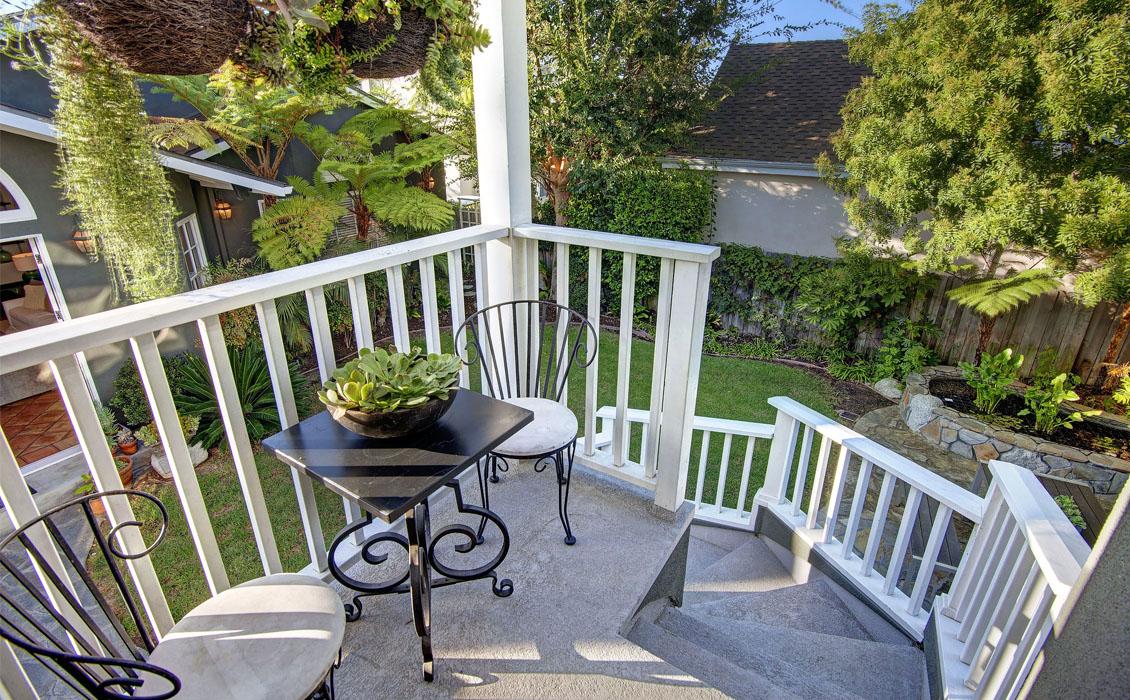 Dwellarc-El-Manor-Guesthouse-Westchester-CA-1130x700-04