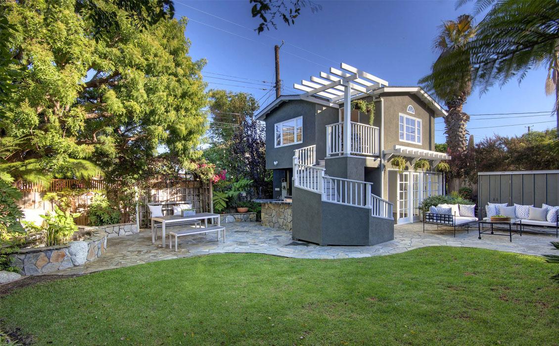 Dwellarc-El-Manor-Guesthouse-Westchester-CA-1130x700-06